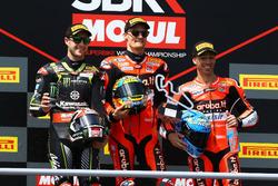 Podium : le deuxième Jonathan Jonathan Rea, Kawasaki Racing, le vainqueur Chaz Davies, Aruba.it Racing-Ducati SBK Team, le troisième Marco Melandri, Aruba.it Racing-Ducati SBK Team