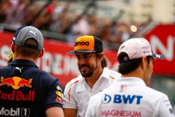 Fernando Alonso, McLaren, avec Max Verstappen, Red Bull Racing et Sergio Perez, Force India