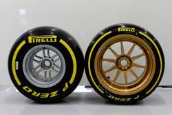 Size comparison of the 18 inch and 13 inch wheels