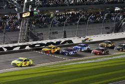 Ryan Blaney, Team Penske, Menards/Peak Ford Fusion s'impose