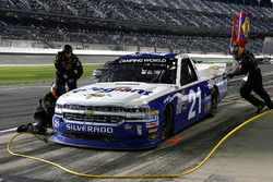 Johnny Sauter, GMS Racing, Allegiant Airlines Chevrolet Silverado pit stop