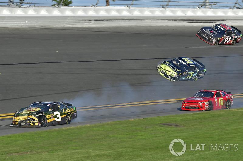 Austin Dillon, Richard Childress Racing, Bass Pro Shops / Cabela's Chevrolet Camaro, Joe Nemechek, J