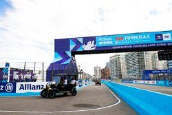 Luca Filippi, NIO Formula E Team, Nick Heidfeld, Mahindra Racing