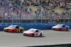 Brad Keselowski, Team Penske, Ford Fusion Wurth, Martin Truex Jr., Furniture Row Racing, Toyota Camr