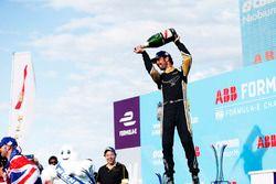 Jean-Eric Vergne, Techeetah, spuit met champagne