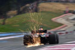 Daniel Ricciardo, Red Bull Racing RB14 sypie iskrami