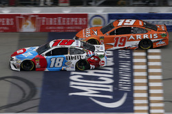 Kyle Busch, Joe Gibbs Racing, Toyota Camry M&M's Red White & Blue Daniel Suarez, Joe Gibbs Racing, T