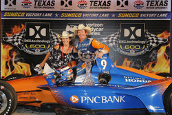 Scott Dixon, Chip Ganassi Racing Honda, mit Mutter Glenys