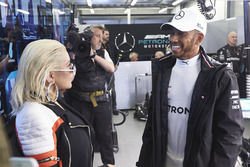 Singer Christina Aguilera in the Mercedes garage with Lewis Hamilton, Mercedes AMG F1