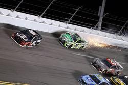 Kyle Busch, Joe Gibbs Racing, Toyota Camry Interstate Batteries wreck