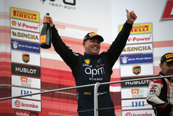 Podium carrera 2 Asia Pacific Challenge, #204 Ferrari Hong Kong Ferrari 488: Philippe Prette