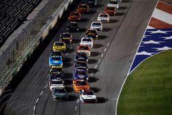 Erik Jones, Joe Gibbs Racing Toyota, William Byron, JR Motorsports Chevrolet