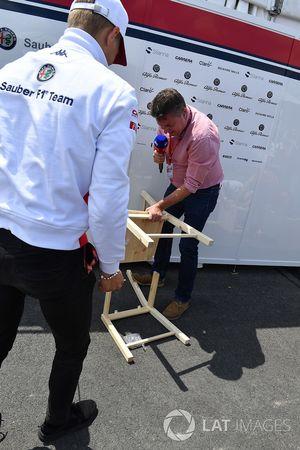 Marcus Ericsson, Sauber with Sky TV