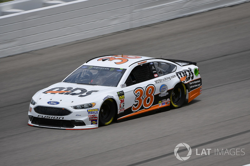 20. David Ragan, Front Row Motorsports, Ford Fusion MDS Trucking