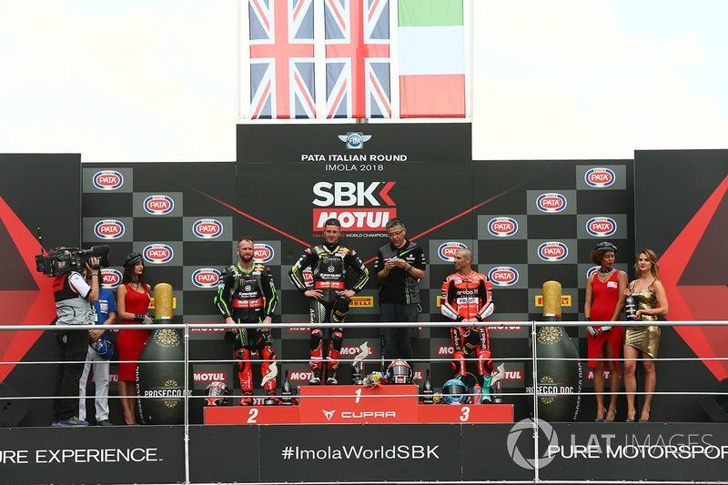 Podio: il vincitore della gara Jonathan Rea, Kawasaki Racing, il secondo classificato Tom Sykes, Kawasaki Racing, il terzo classificato Marco Melandri, Aruba.it Racing-Ducati SBK Team