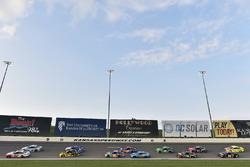 Ryan Blaney, Team Penske, Ford Fusion REV Group e Brad Keselowski, Team Penske, Ford Fusion Alliance Truck Parts