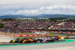 Carlos Sainz Jr., Renault Sport F1 Team R.S. 18, Fernando Alonso, McLaren MCL33, Sergio Perez, Force India VJM11