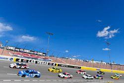 Brad Keselowski, Team Penske, Ford Fusion Discount Tire e Ricky Stenhouse Jr., Roush Fenway Racing, Ford Fusion Fastenal