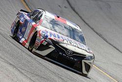 Kyle Busch, Joe Gibbs Racing, Snickers Almond Toyota Camry