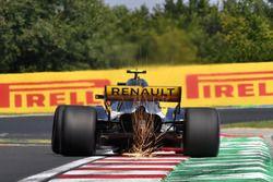 Carlos Sainz Jr., Renault Sport F1 Team R.S. 18 saca chispas
