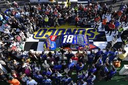 Kyle Busch, Joe Gibbs Racing, Toyota Camry M&M's Caramel wins