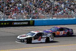 Kevin Harvick, Stewart-Haas Racing, Ford Fusion Jimmy John's, Denny Hamlin, Joe Gibbs Racing, Toyota