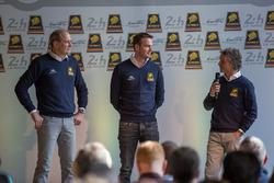 Гонщики Racing Team Nederland Фриц ван Эрд, Гидо ван дер Гарде и Ян Ламмерс