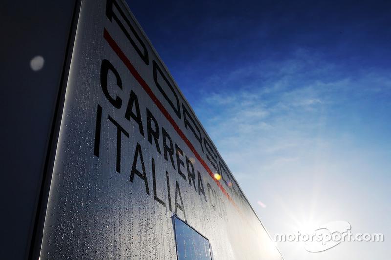 Logo Porsche Carrera Cup Italia, atmosfera
