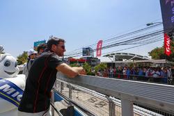 Jérôme d'Ambrosio, Dragon Racing en el desfile de pilotos