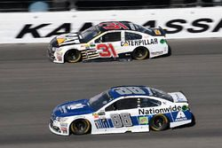 Дейл Эрнхардт-мл., Hendrick Motorsports Chevrolet и Райан Ньюман, Richard Childress Racing Chevrolet