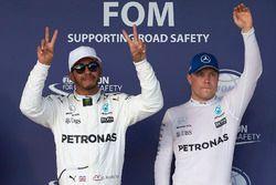 Polesitter Lewis Hamilton, Mercedes AMG F1, Valtteri Bottas, Mercedes AMG F1, third