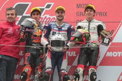 Podium : le vainqueur Romano Fenati, Snipers Team, le deuxième, Niccolo Antonelli, Red Bull KTM Ajo, le troisième, Marco Bezzecchi, CIP-Unicom Starker
