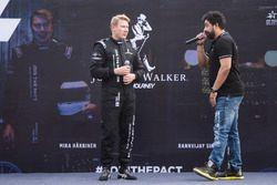 Mika Hakkinen con Rannvijay Singha