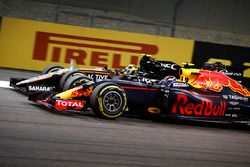 Max Verstappen, Red Bull Racing RB12, passes Sergio Perez, Force India VJM09
