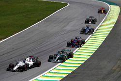 Lance Stroll, Williams FW40, Lewis Hamilton, Mercedes AMG F1 W08, Brendon Hartley, Scuderia Toro Ros