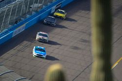 Ryan Blaney, Wood Brothers Racing Ford, Clint Bowyer, Stewart-Haas Racing Ford, Cole Whitt, TriStar