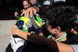 Felipe Massa, Williams FW40 fête son dernier GP du Brésil dans le Parc Fermé avec sa femme Rafaela Bassi, et son fils Felipinho Massa
