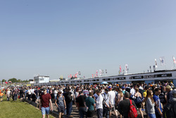 Crowd in the pitlane