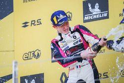 Podio: il vincitore Charles Milesi, R-Ace GP