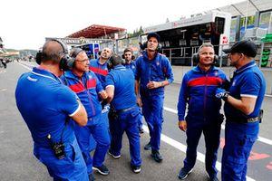 Il team festeggia la Pole position di David Beckmann, Trident