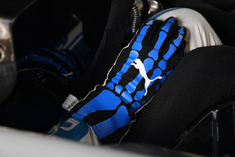 Ryan Blaney, Team Penske, Ford Fusion PPG glove
