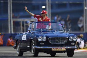 Kimi Raikkonen, Ferrari, durante la drivers parade