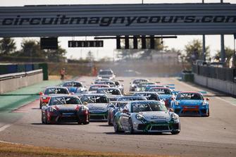 Start; Ayhancan Güven, Porsche 911 GT3, Attempto Racing ikinci sırada