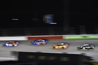 A.J. Allmendinger, JTG Daugherty Racing, Chevrolet Camaro Kroger ClickList e Ty Dillon, Germain Racing, Chevrolet Camaro GEICO