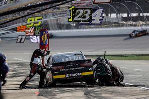 Blake Jones, BK Racing, Toyota Camry Tennessee XXX Moonshine, pit stop