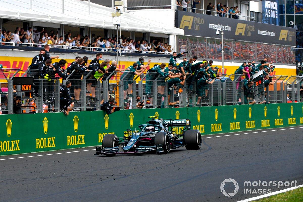 Sebastian Vettel, Aston Martin AMR21, secondo classificato