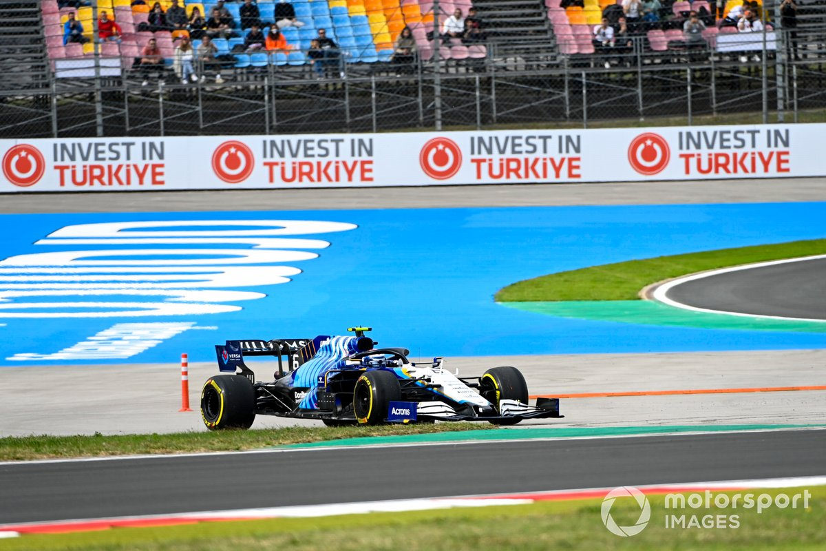 Nicholas Latifi, Williams FW43B, recovers after leaving the circuit