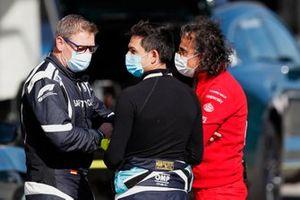 Bernd Maylander, Safety Car Driver, Bruno Correia, Medical Car Driver, en Laurent Mekies, Racing Director, Ferrari