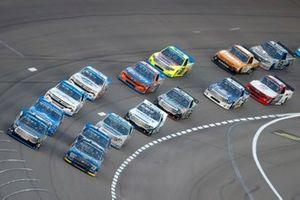 Todd Gilliland, Front Row Motorsports, Ford F-150 Speedco, John Hunter Nemechek, Kyle Busch Motorsports, Toyota Tundra Berry's Manufacturing