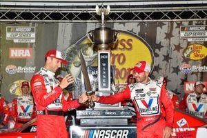 Ganador Kyle Larson, Hendrick Motorsports, Chevrolet Camaro Valvoline